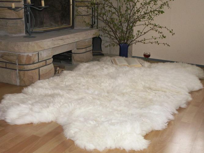 Kuscheliger teppich  SCHAFFELLTEPPICH SCHAFFELL TEPPICH WEISS ca.200x170cm / aus 6 ...